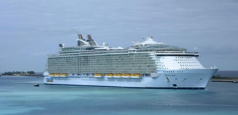Plus-gros-bateaux-de-croisiere-Oasis-of-the-seas